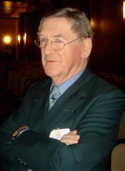 JOHNSON Hugh (Auteur anglais, spécialiste du vin)