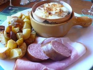 fromage fondu et saucisse de Morteaux (TB)