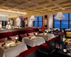 Four Seasons Hotel Hong Kong, le seul hôtel au monde auréolé de deux restaurants triple étoilés au guide Michelin