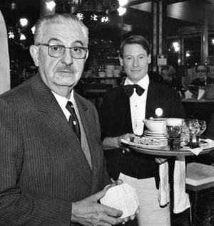 Marcellin Cazes (1888-1965), directeur de la brasserie Lipp.© Jacques Cuinières / Roger-Viollet -