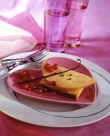 Le Foie Gras aux fruits rouges sur canapé de pain d'Epices
