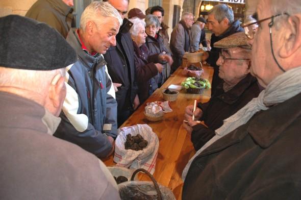 Ouverture du marché de gros aux truffes de Sarlat : une saison prometteuse