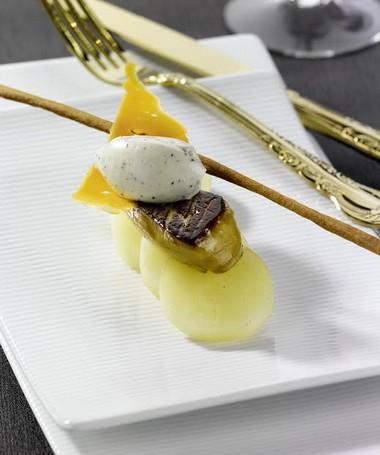 Poêlée de foie gras de canard, pomme de terre fondante…
