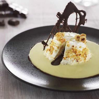 Cœur coulant au chocolat-praliné à la Faisselle Rians et crème anglaise à la noisette