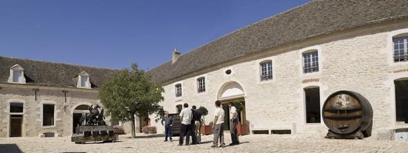 Le « Château de Pommard »,  joue dans la Cour des Très Grands