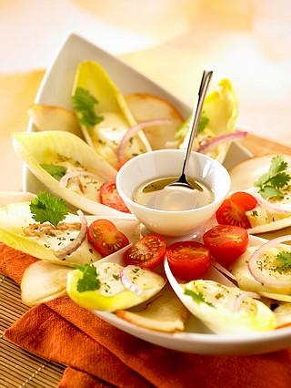 Salade d'endives blanches, poires et Epoisses Berthaut