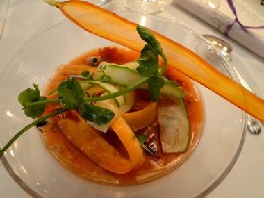 Lapin dans sa gelée de carotte aux pruneaux d'Agen