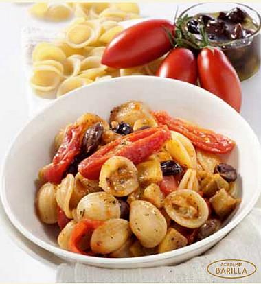 Orecchiette Pugliesi Academia Barilla©aux tomates cerise,olives et aubergines