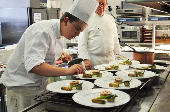 Maxime Blanc remporte le titre de lauréat 2015  du concours culinaire « Les Trophées France-Québec »