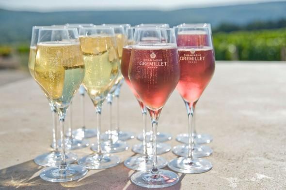 Des Champagnes à la fête!
