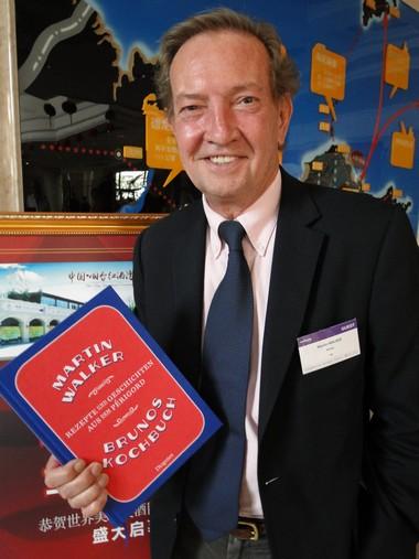 Martin Walker primé en Chine pour son livre de cuisine du Périgord
