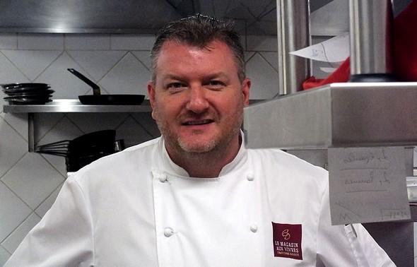 Christophe Dufossé dans sa cuisine ©GC/laradiodugout.fr