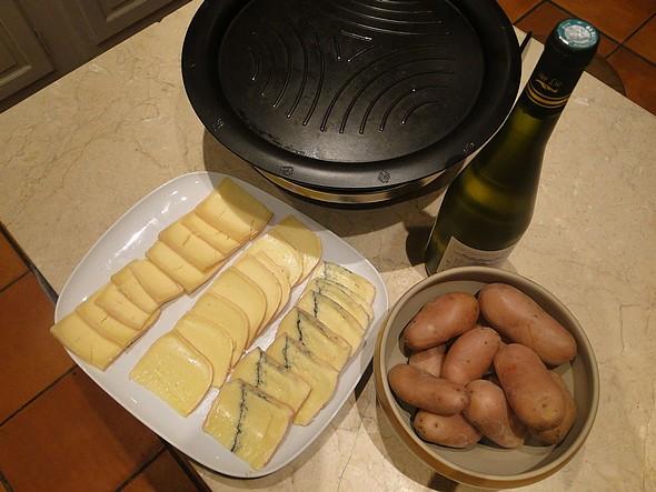 Tout est fin prêt pour se prendre une bonne Raclette! ©TB/laradiodugout.fr