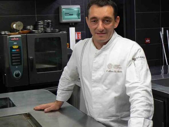 Stéphane Louveau en cuisine ©GC/laradiodugout.fr