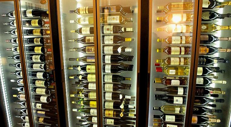 une etonnante cave à vins
