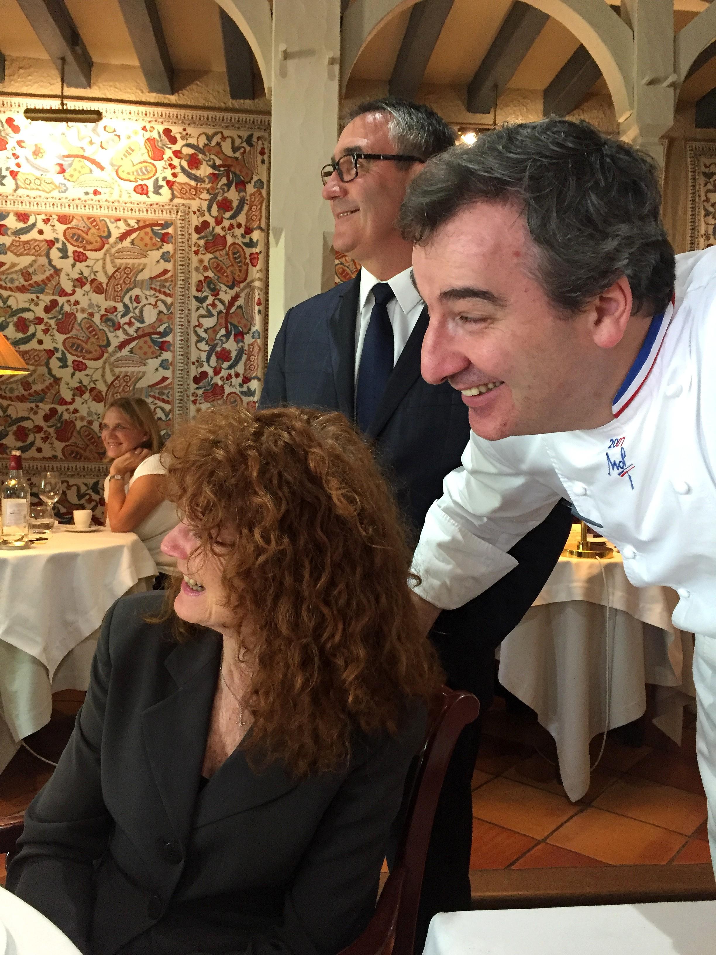 Julia avec le chef du vieux logis Vincent Arnould -