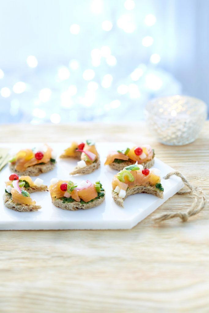 toastlune-ceviche-de-saumon-fume-de-norvege-poire-creme-de-cresson