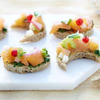 toastlune-ceviche-de-saumon-fume-de-norvege-poire-creme-de-cresson-beatriz-gonzalez