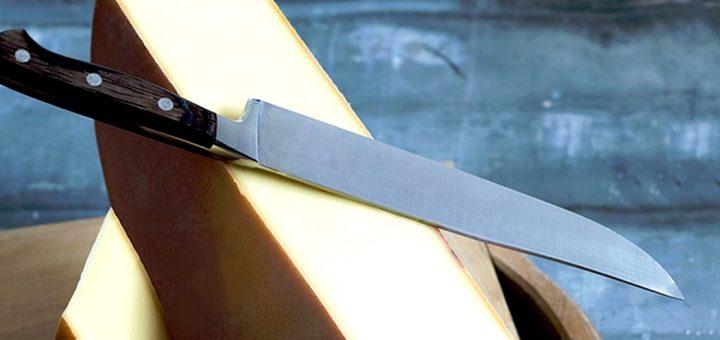 raclette et couteau home