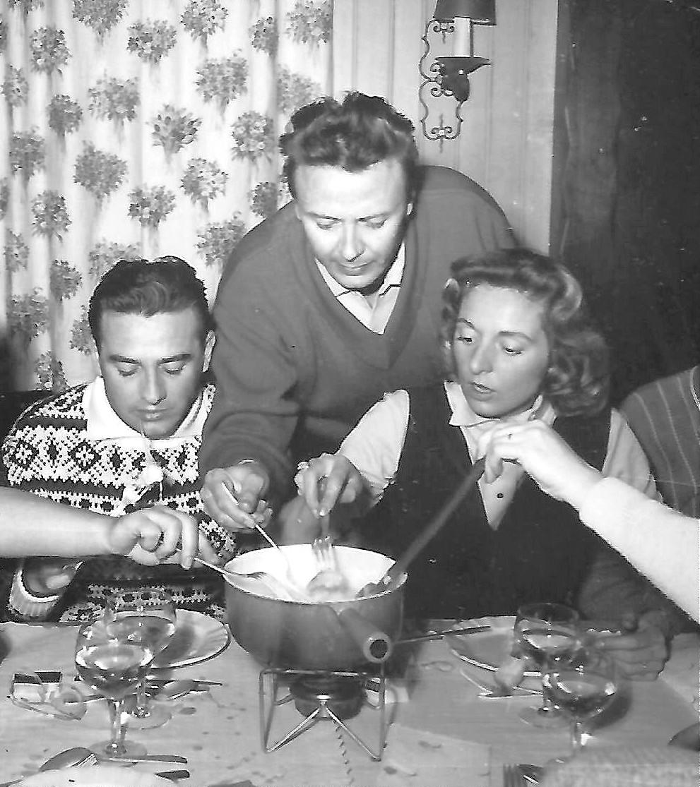 Roger et Maryse Bourgeon avec Maurice Biraud fondue savoyarde à l'hotel Le Normandie à Morzine