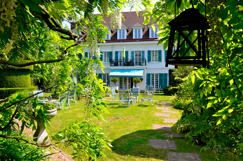 maison devant et jardin 1500