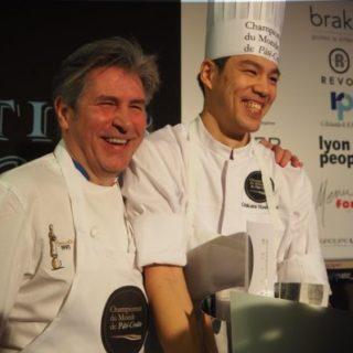 YOSHITOMI Chikara Champion du monde de pâté-croûte 2017 .jpg avec Michel Roth