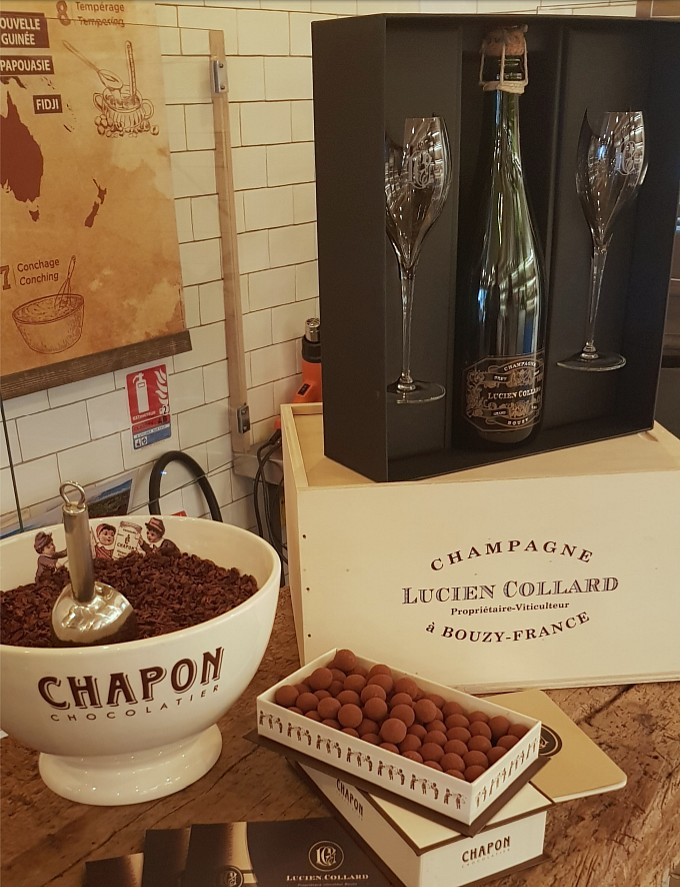 Coffret Lucien Collard et chocolat Chapon
