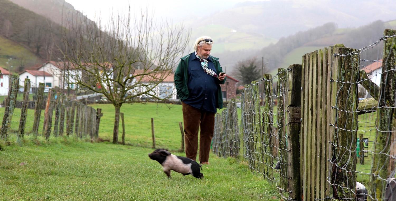 Vincent Solignac, côté jardin, chez Pierre Oteiza au bout de la vallée des Aldudes aux Pays Basque ©DR
