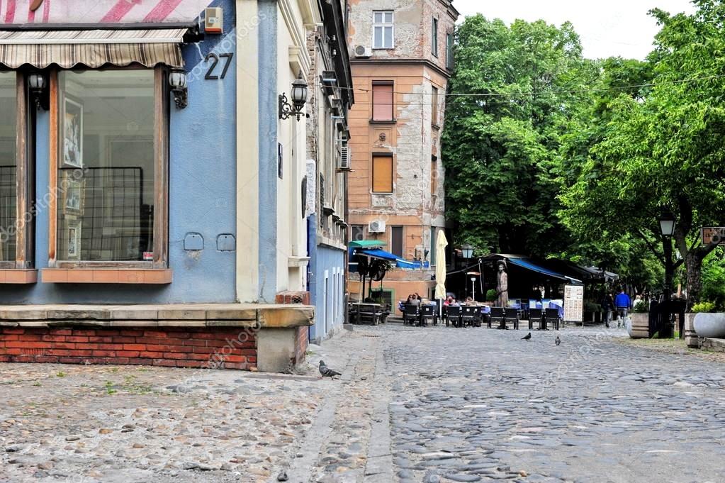 rue pietonne Skadarska dans le centre de la capitale ©Depositphotos