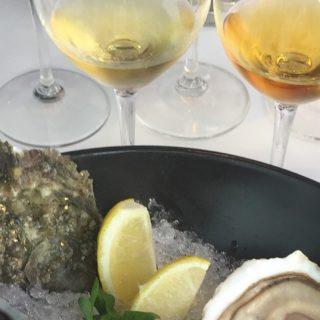 Huitres et vins liquoreux accord parfait home