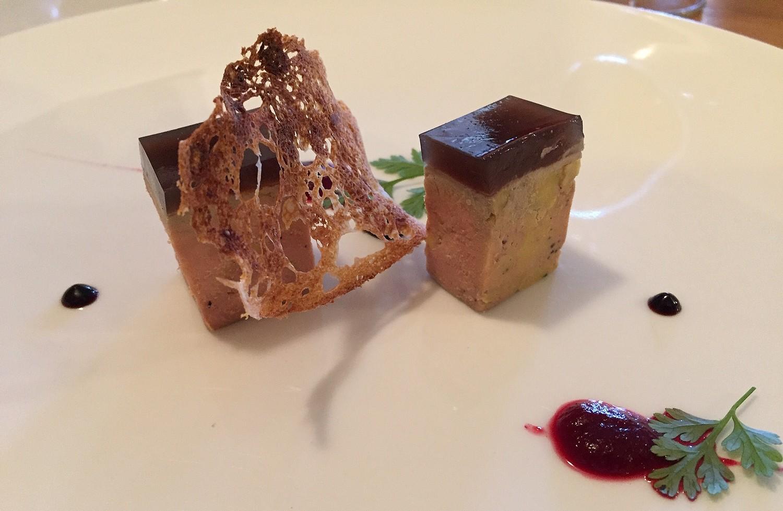 foie gras mi cuit hibiscus et poivre de sancho ©T.Bourgeon/laradiodugout.fr