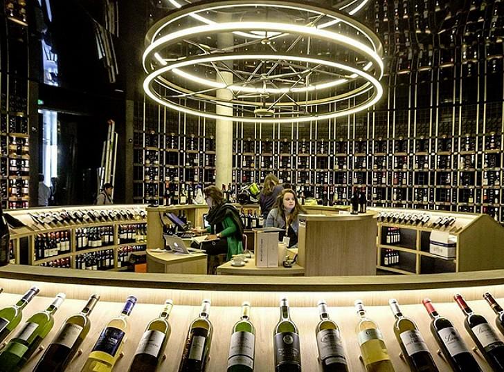 les vins d'Aleksandrovic font partie de l'exposition permanente à La Cité du Vin à Bordeaux.©DR