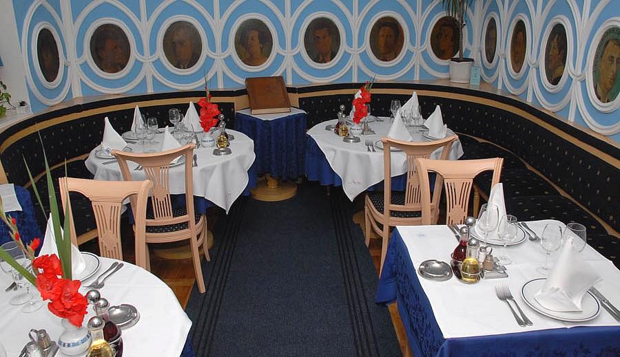 tables dressées du restaurant Ima Dana ©DR