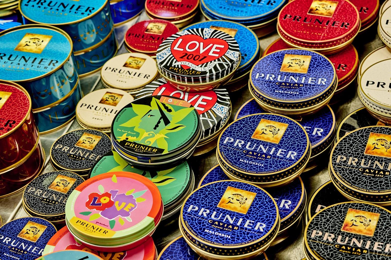 Caviar Prunier Love display