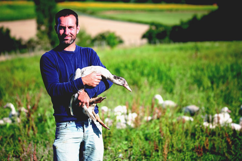 éleveur et canard ©DR