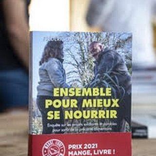 Délibération du prix Mange Livre 2021. Lauréat Frédéric Denhez et Alexis Jenni, Ensemble pour mieux se nourrir. Lieu : La Cour de Rémi - Bermicourt