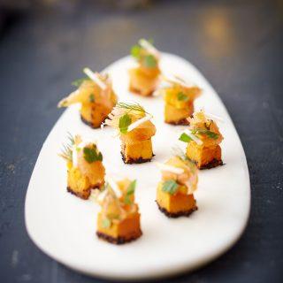 cubes-de-butternuts-et-son-saumon-de-norvege-gravlaks