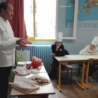Gilles Vérot en classe de goût  ©I.Montozier