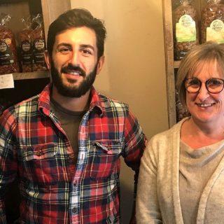HOME 1 portrait Véronique Cabanes et son fils Bertrand