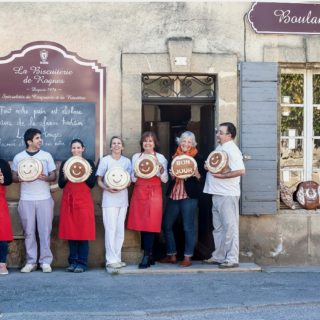 l'équipe de la biscuiterie de Rognes ©DR
